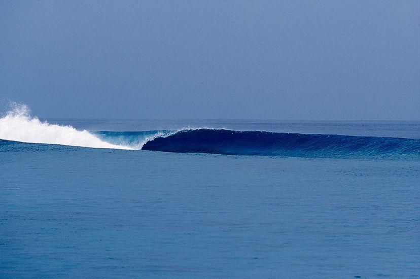 "2004. Maldives. Another perfect wave. Photo: <a href=\""http://www.artbrewer.com\"" target=_blank>Art Brewer</a>"