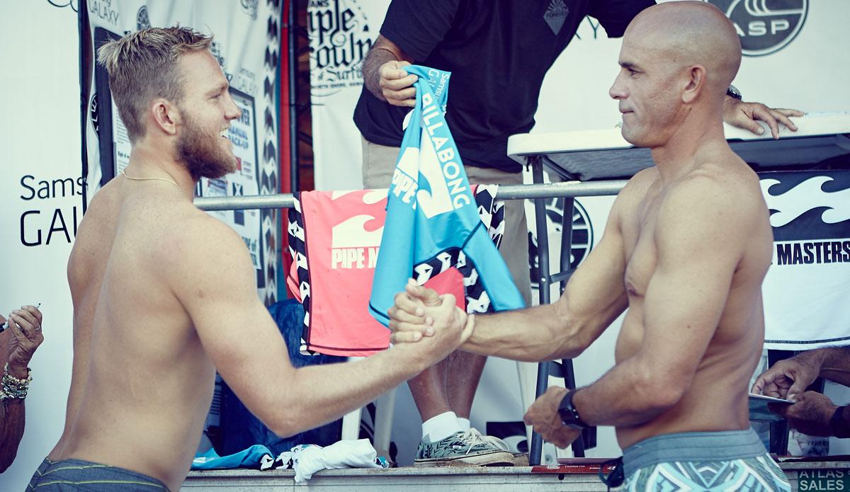 """Sportsmanship from D. Payne and K. Slater. Photo: <a href=\""""http://santiagobisso.com\"""">Santiago Bisso</a>"""