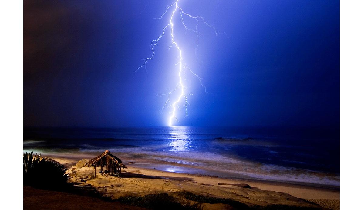 "Electric ocean. Photo: <a href=\""http://www.anthonyghigliaprints.com/\"">Anthony Ghiglia</a>"