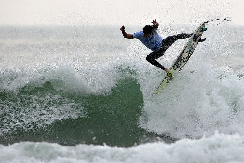 Australia\'s Jerome Forrest punts during the Hainan Classic. Photo: ISA/Gonzales