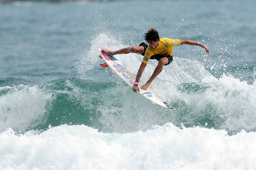 Brazilian Matheus Navarro showing off his air game. Photo: ISA/Gonzales