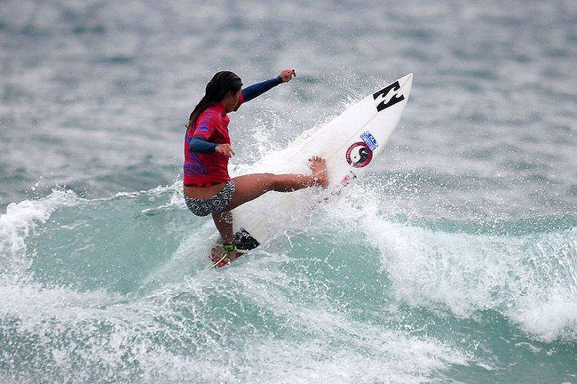 Hawaii\'s Alessa Quizon rips one off the top. Photo: ISA/Tweddle