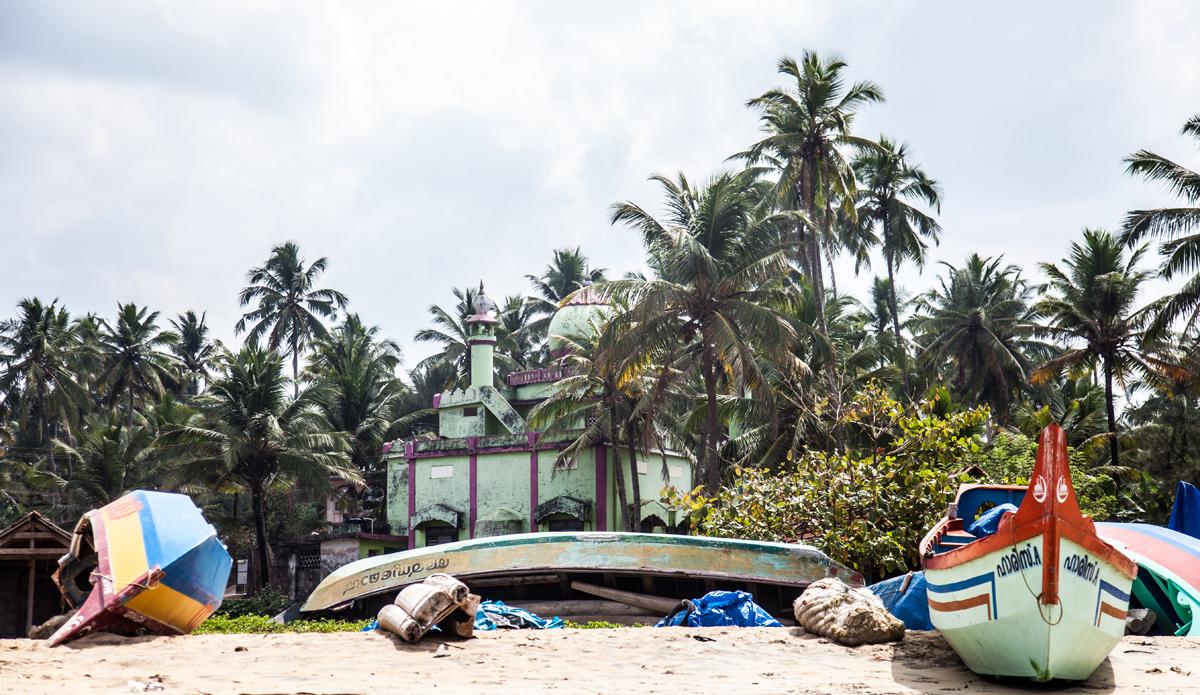 "Fishermen beach and the mosque right behind it. Kerala region, India.Photo: <a href=\""http://www.Godoberta.com\"">GodoBerta.com</a>"