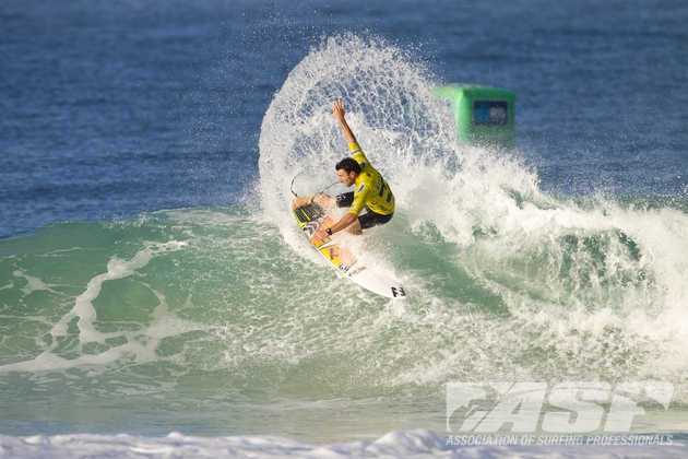 Parko took advantage of Slater\'s absence at Rio and registered a second place. Photo: ASP