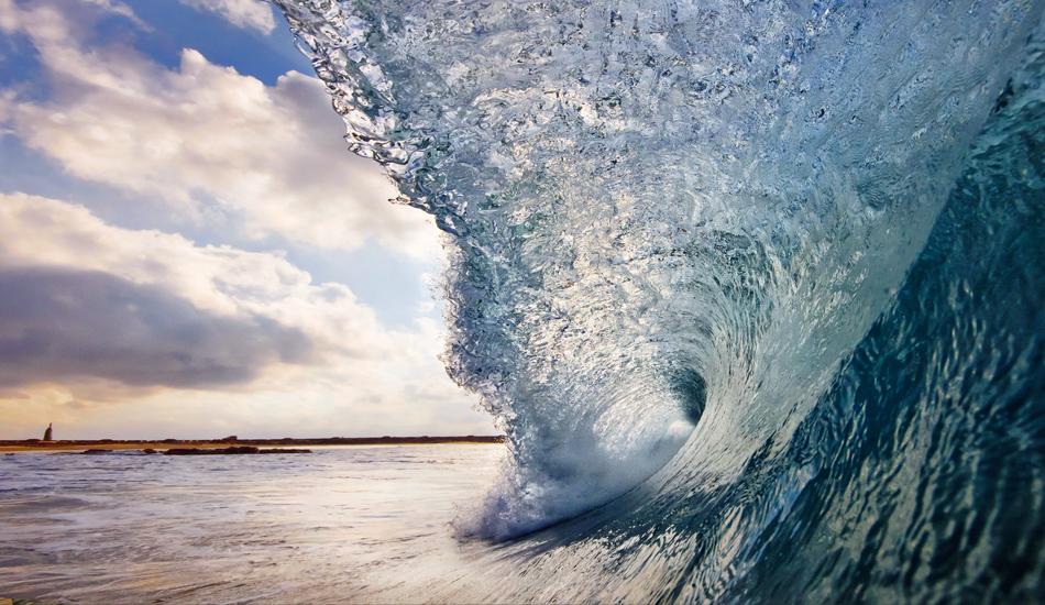 """Image: <a href=\""""http://lucashoot.blogspot.com\"""">Tozzi</a></em></strong>"""