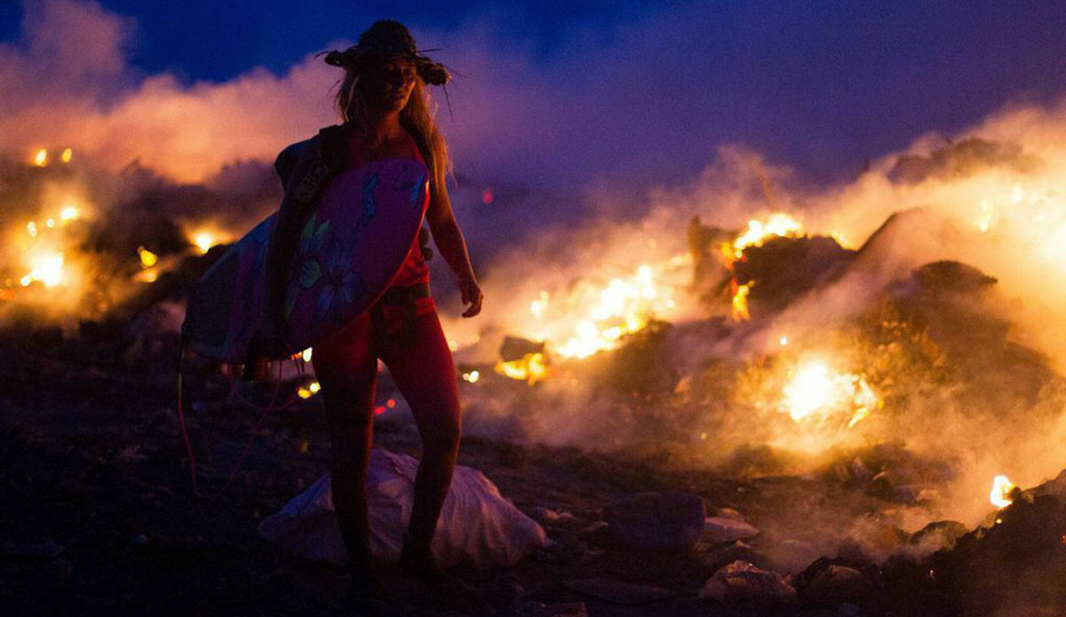 "Just like many places around the world, the trash on ""Trash Island"" is burned which, depending on the wind direction, causes harmful fumes that cover Male, the country\'s capitol, home to one third of the country\'s population. Photo: <a href=http://www.vivantvie.com/\"">Sarah Lee</a>"