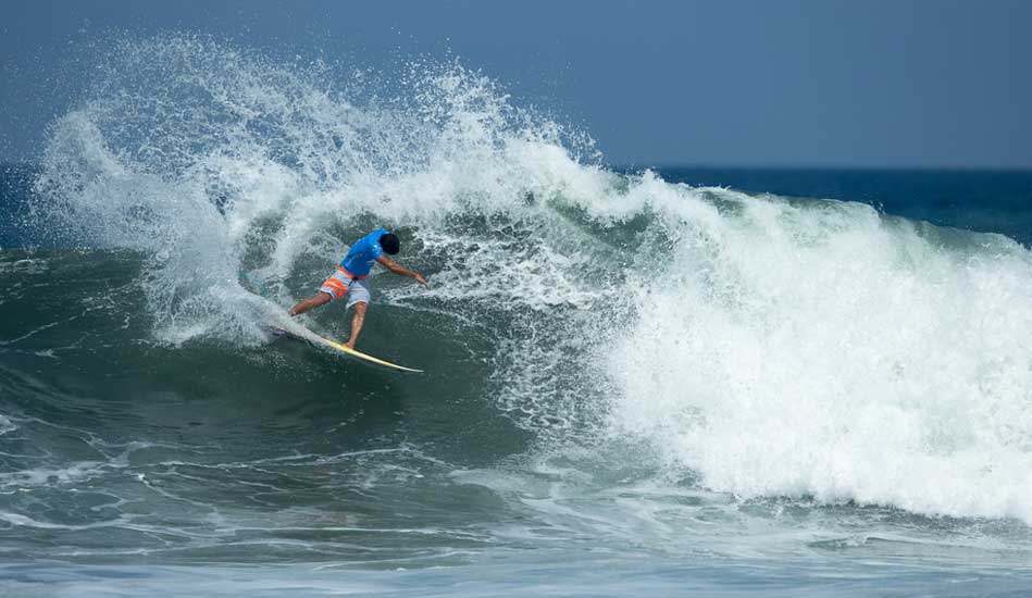 """The Spartan lived up to his namesake taking down big names with big carves until he met the Champ in the finals. Photo: <a href= \""""http://www.oakleyprobali.com/photos/\"""">Russ Hennings</a>"""