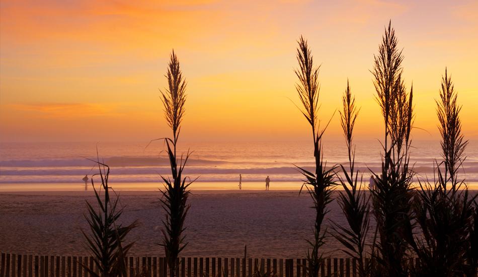 "El Palmar, regalando las ultimas series, beach break por excelencia. El Palmar, the last sets of the day, ultimate beach break. Image: <a href=\""http://lucashoot.blogspot.com\"">Tozzi</a></em></strong>"