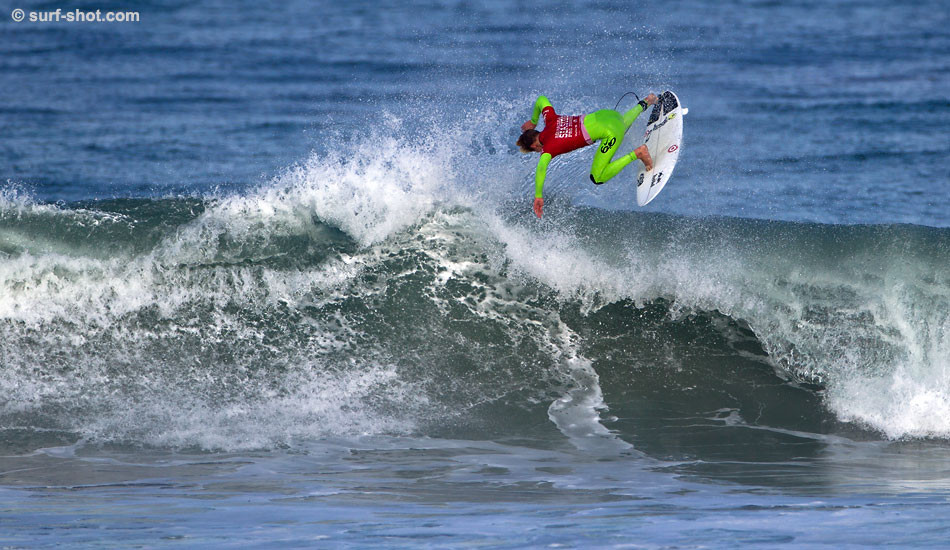 "Spring also signals a rash of contests in the area. Kolohe Andino at the Rob Machado contest in Seaside. Maybe it is easy being green. Photo: Schmid/<a href=""http://surf-shot.com/\"" target=\""_blank\"">Surf-Shot.com</a>"