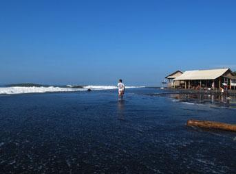 Keramas Bali Surfer Warung Lineup