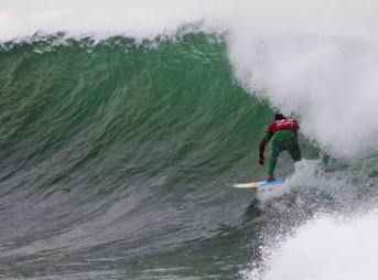 Julian Wilson surfs Jeffreys Bay
