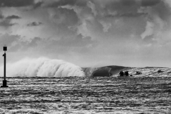 Tahiti last year: too big to compete, too big for anyone but the clinically insane. Photo: Jason Kenworthy/jrkenworthy.com