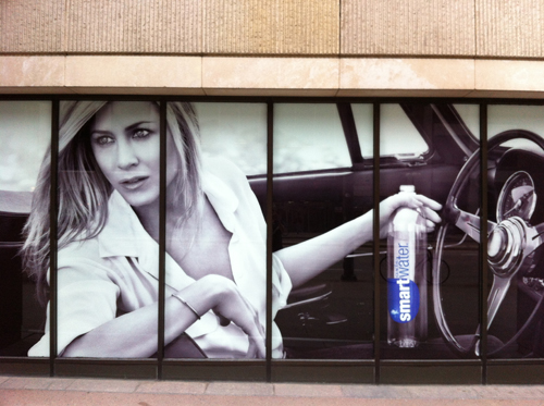 Jennifer Anniston Smartwater
