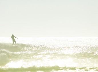 Junior Faria Rock and Rollin in a longboard singlefin