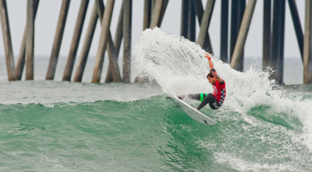 2013 US Open of Surfing Champino Alejo Muniz competing for attention in Huntington. Photo: Llalande