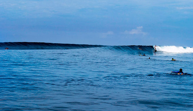 The lineup at Tavarua Right – one of the few right-handers in Fiji that not many know about. Photo: Dave Nilsen