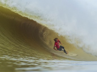World Title Race Goes to Pipeline: Medina and Slater Eliminated From Rip Curl Pro Portugal