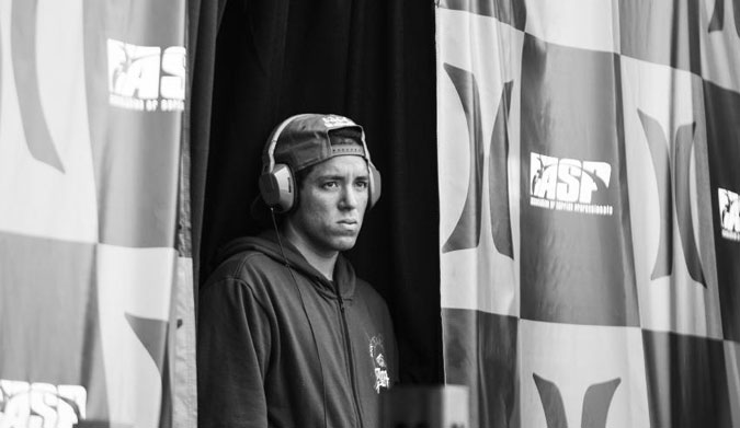 De Souza opts out of Pipe, but will he return to compete in the 2015 WCT?