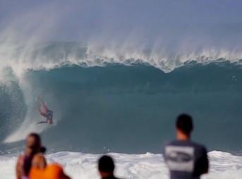 Hawaii gets mental in December.