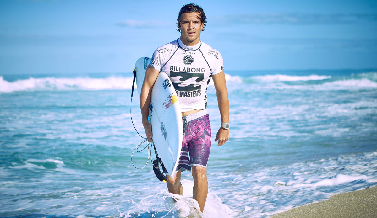 189affb802 Julian Wilson Wins Billabong Pipe Masters Over Newly Crowned World Champion