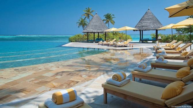 4 Seasons Kuda Huraa in the Maldives ticks all the family surf trip boxes.