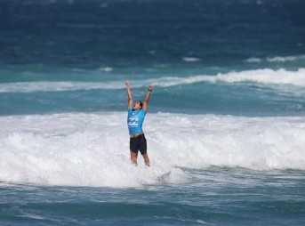 It's been a long road to this moment for Adriano De Souza. Photo: WSL/Laurent Masurel