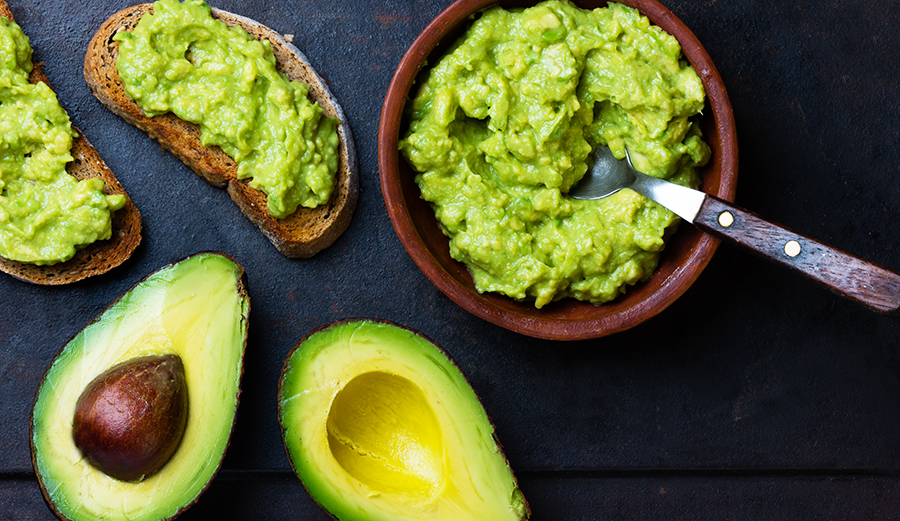 How to Keep Your Guacamole and Avocados Green for 3 Whole Days
