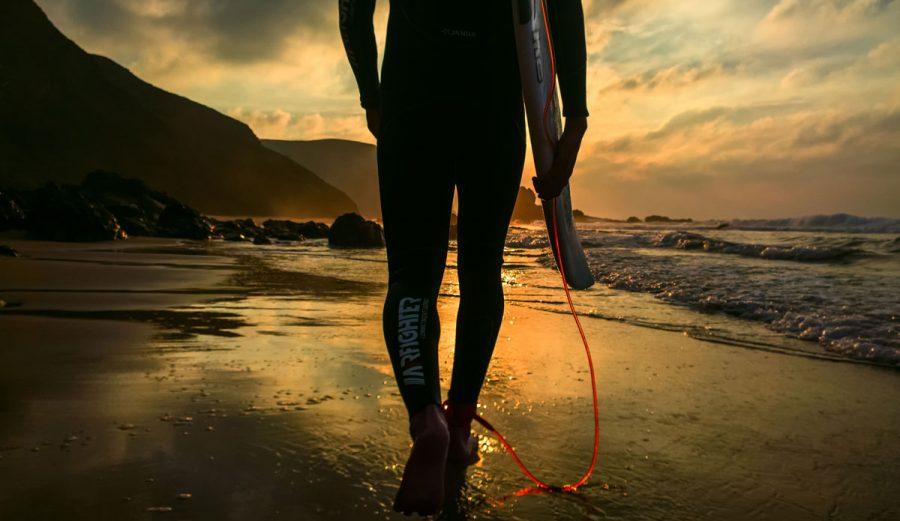 surfer sunset Photo: João Bracourt
