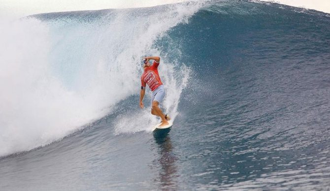 Kelly, celebrating a perfect 20. Photo: WSL