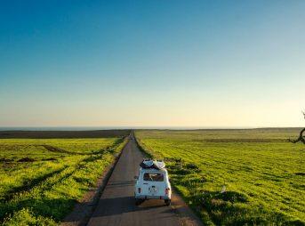 Distance makes the heart grow fonder, ehh? Photo: Joao Bracourt