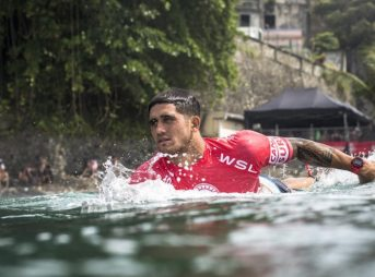 Zeke Lau has been on the cusp of 'CT qualification for the last three years now. This year may be the year for the 23-year-old Hawaiian. Photo: WSL/Poullenot/Aquashot