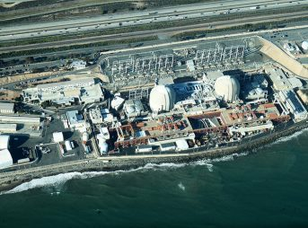 San Onofre Nuclear Generating Station, circa 2012. Photo: Wikimedia Commons