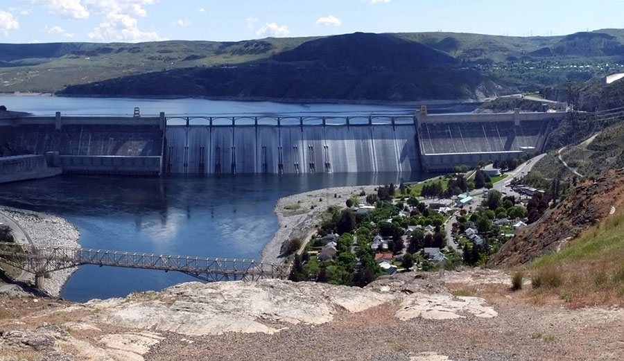 Up for debate: hydropower can provide steady power when solar and wind sources are not available, but can they be expanded without much economic and environmental cost? BriarCraft/flickr, CC BY-NC