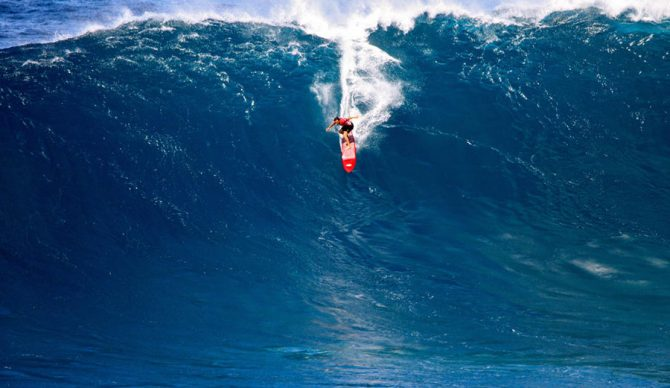 Greg Long is no stranger to waves like this. Which is crazy.