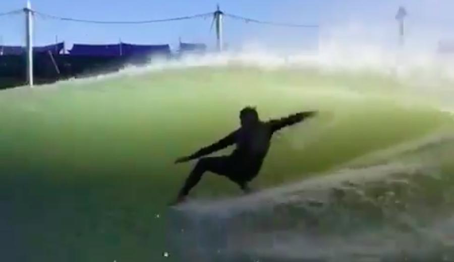 סטייל מפוקסל: אלכס נוסט גולש בסגנון נדיר על הגל של קלי