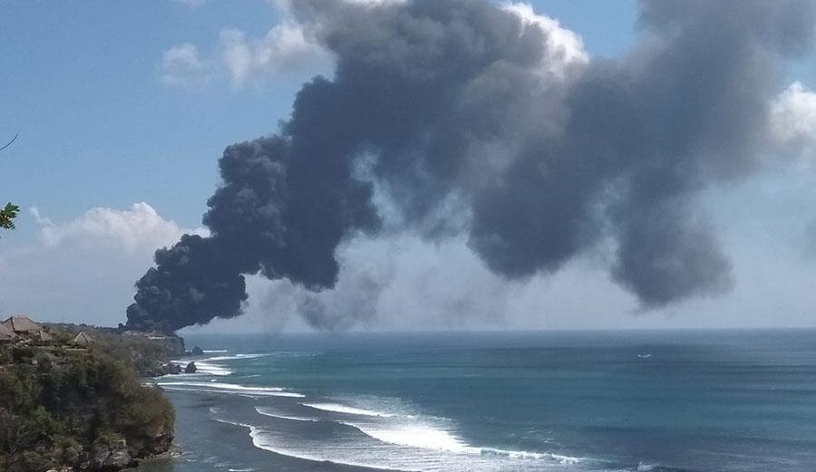 Breaking News Uluwatu Ravaged By Huge Fire The Inertia