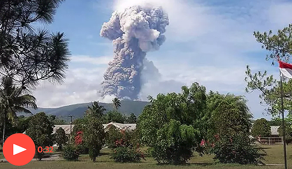 Volcano Erupts on Sulawesi Following Indonesian Island's Quake and Tsunami