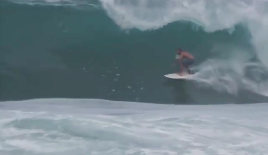 Watch Jack Johnson, Surfing's Favorite Musician, Get Barreled at Haleiwa