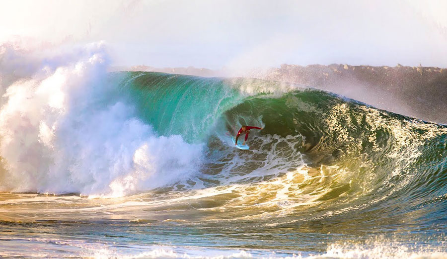 Jamie O'Brien Does the Wedge the Way the Wedge Is Meant to Be Done