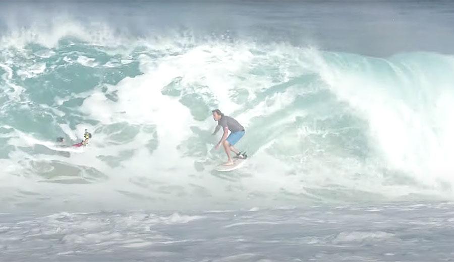 Ben Gravy Surfs a North Shore Sandbar and It Looks Like So Much Fun