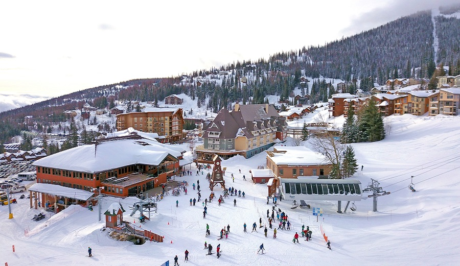 This Northern Idaho Resort Canceled Night Skiing Due to Lack of Mask Compliance