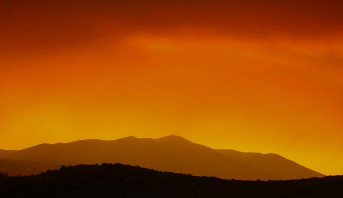 manny becerra via unsplash caldor fire from reno